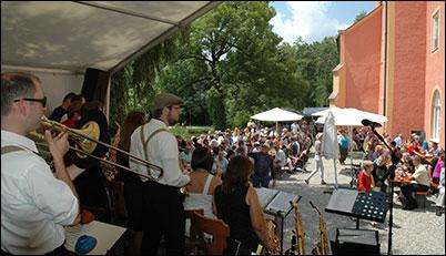 Swing Orchestra Taufkirche