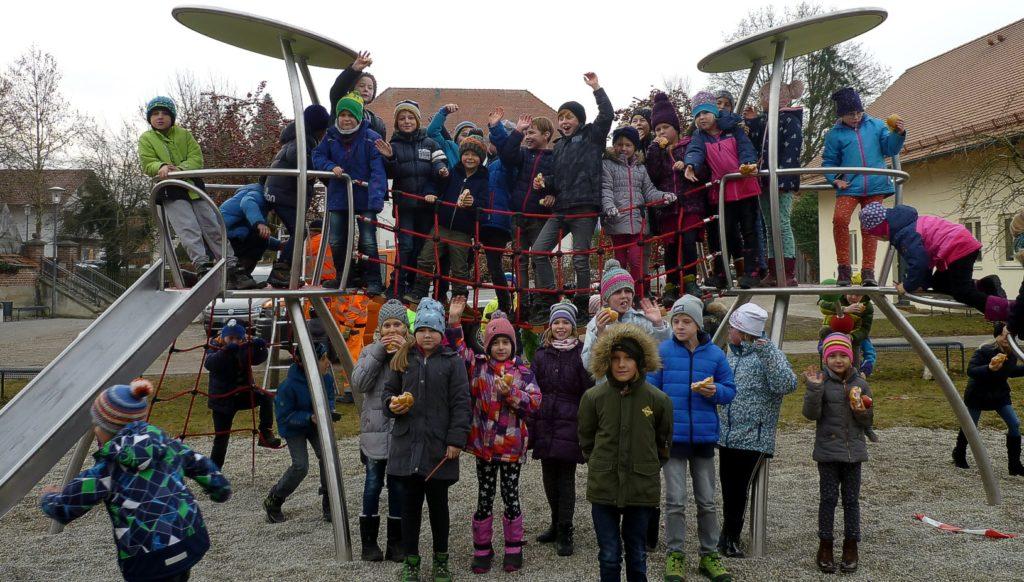 Klettergerüst Schule Moosen (Vils)