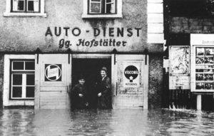 07Hofstätter 1951 Marktplatz Hochwasser