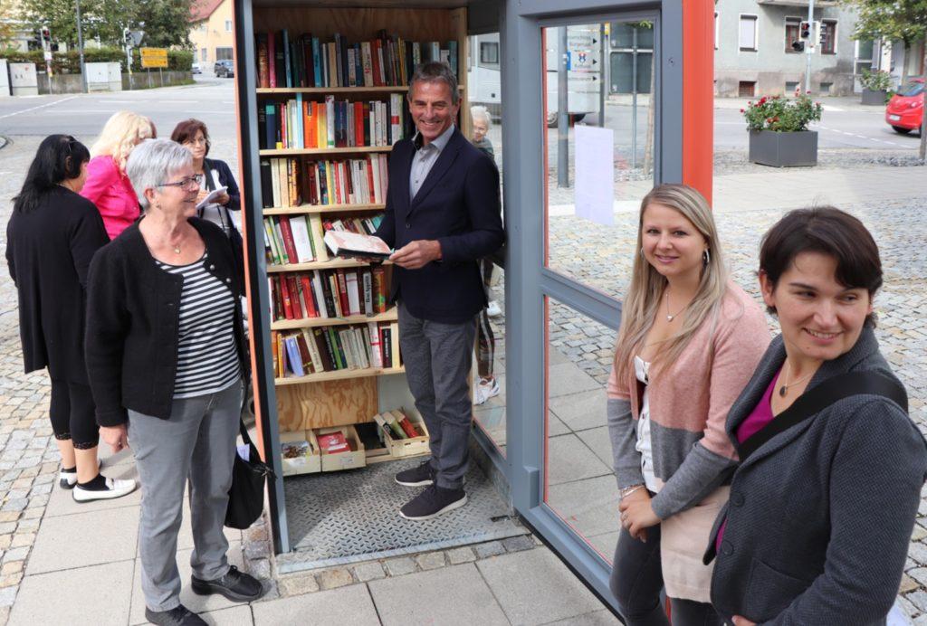 Bücherschrank am Marktplatz