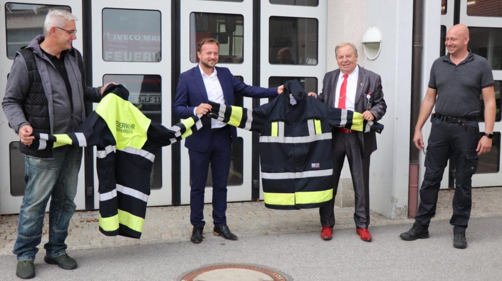 Rettungswesten FW-Flughafenverein